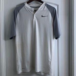 Nike DRI-FIT momentum standard fit